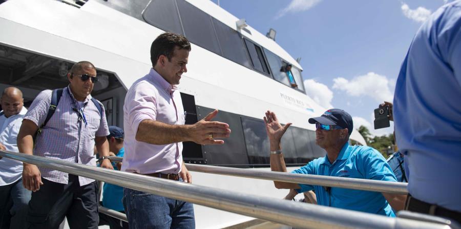 Ricardo Rosselló Nevares visitó las instalaciones del terminal de lanchas de Ceiba. (horizontal-x3)