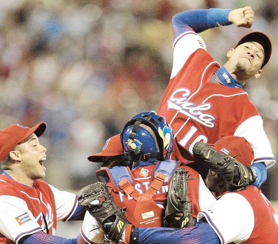 Cuba participó en la primera edición del Clásico Mundial de Béisbol en el 2006. (AP) (semisquare-x3)