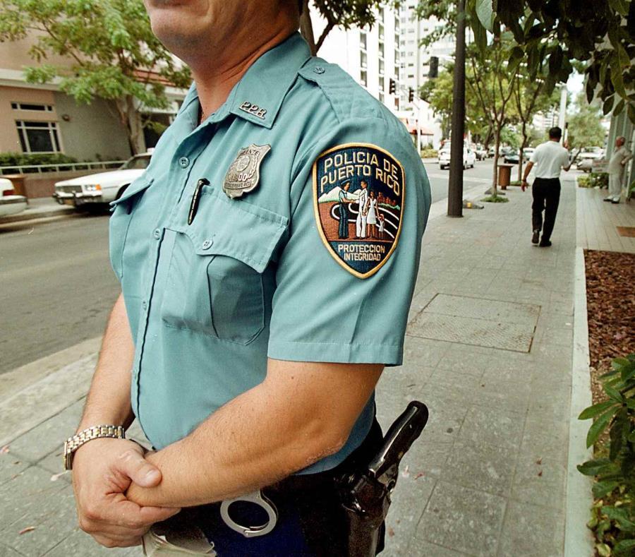 Imagen de un agente de la Policía. (GFR Media) (semisquare-x3)