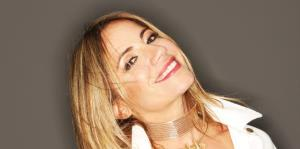 Melina León ofrecerá un concierto virtual con su orquesta
