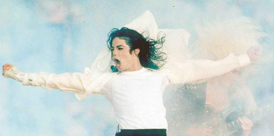 Según el medico de Michael Jackson, el padre del cantante lo sometió a un tratamiento de hormonas cuando tenía 12 años. (horizontal-x3)