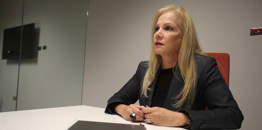 Nivia Fernández informa que se sigue trabajando con el plan fiscal (horizontal-x3)