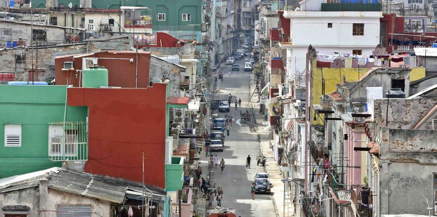 Los socios comerciales y económicos de Cuba siguen apostando por el mercado nacional. (EFE / Ernesto Mastrascusa) (horizontal-x3)