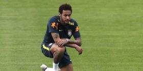 Neymar estará un mes fuera del terreno de juego por una lesión