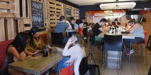 Atípico restaurante para desayunos en Isla Verde