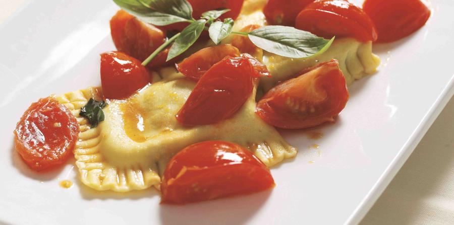 La pasta fresca es el plato principal en el menú de L'Osteria. (horizontal-x3)