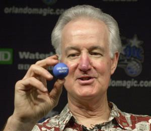 Ejecutivo del Magic en la NBA desea un equipo de béisbol en Orlando