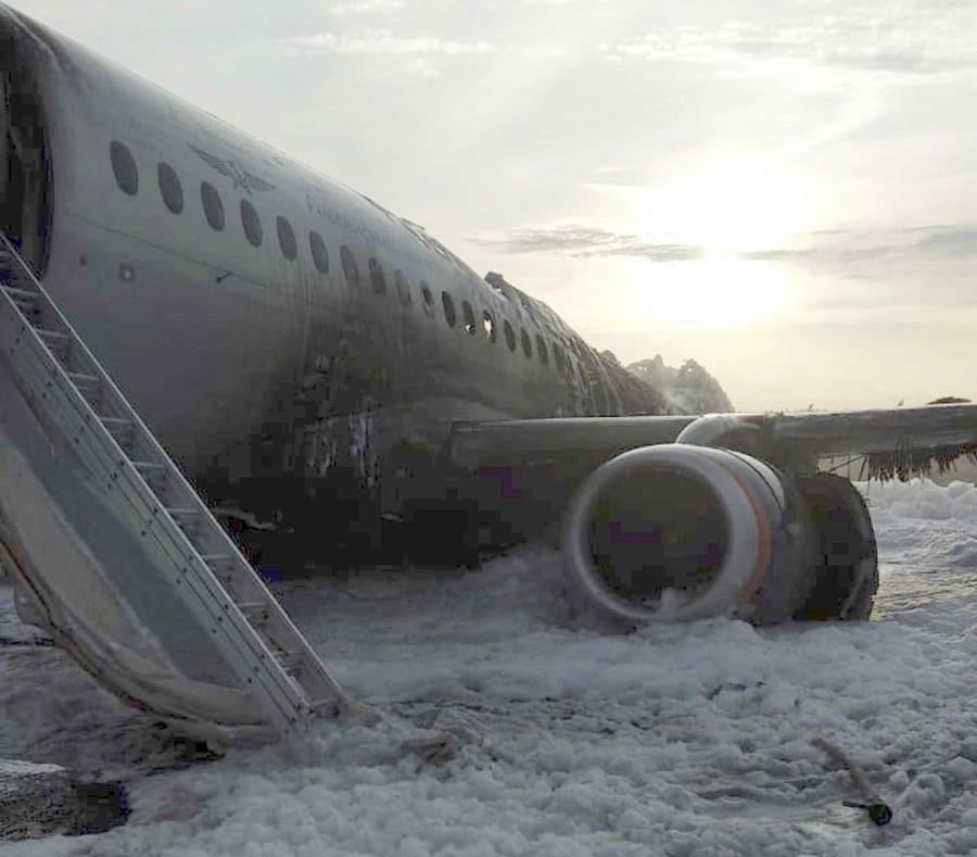 El avión Sukhoi Superjet 100 de Aeroflot Airlines. (AP) (semisquare-x3)