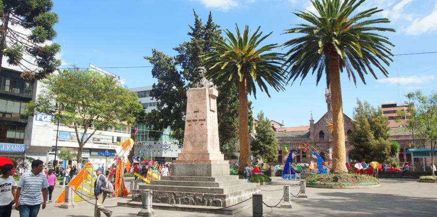 """Ambato es la capital de la provincia ecuatoriana de Tungurahua. situada a 2,600 metros de altitud, está enclavada en una hondonada formada por seis mesetas. Se le conoce como la """"Ciudad de las flores y las frutas"""". (Archivo GFR Media)"""