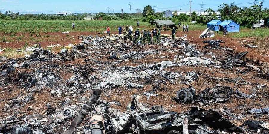 El viernes 18 de mayo, un Boeing 737-200 de la compañía mexicana Damojh, rentado por Cubana de Aviación, con destino a Holguín, se precipitó a tierra instantes después de su despegue. (EFE / Marcelino Vázquez) (horizontal-x3)