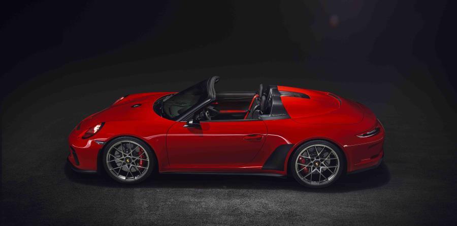 Esta exclusiva línea de accesorios de Porsche Exclusive permite un grado de personalización aún mayor para el 911.