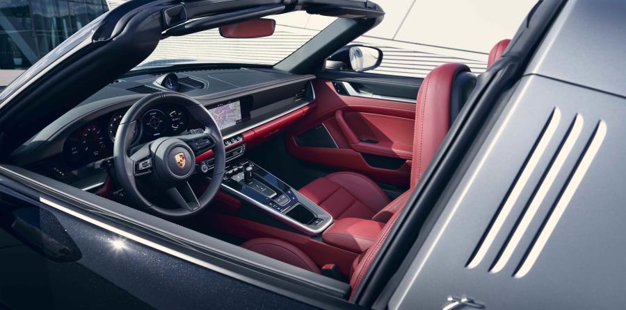 El interior del Porsche 911 Targa tiene detalles similares a los de la familia 911. (Suministrada)