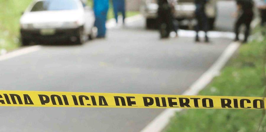 La Policía acordona una escena en lo que realiza la investigación de un asesinato. (GFR Media) (horizontal-x3)