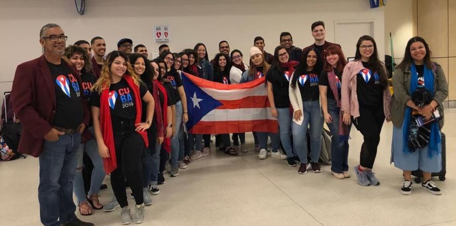 El Coro de la Universidad de Puerto Rico en Humacao (UPRH) se fundó en 1974 y con un repertorio folclórico ha llevado la sabrosura borincana a varios eventos del mundo. (Facebook.com) (horizontal-x3)
