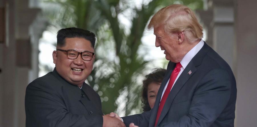 El presidente estadounidense Donald Trump durante su cumbre con el líder norcoreano Kim Jong Un en Singapur el 12 de junio del 2018. (Kevin Lim/The Straits Times via AP) (horizontal-x3)