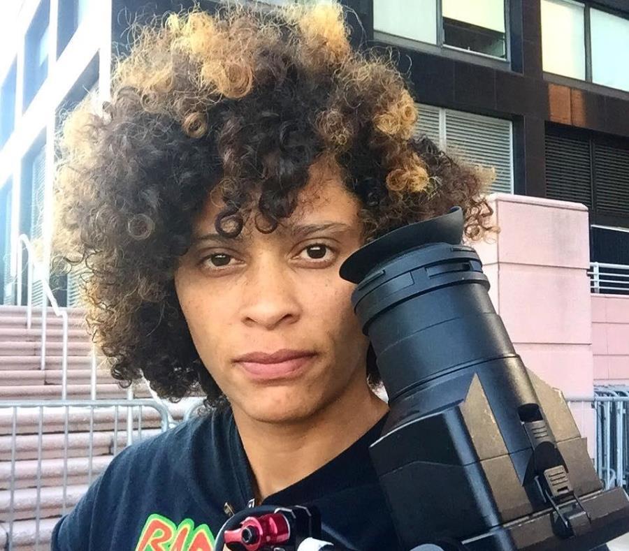 Nadia Hallgren explica qué la motivó a seguir con su cámara la vida de tres mujeres que perdieron todo tras el paso del huracán. (Captura/Facebook) (semisquare-x3)