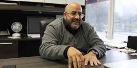 Edwin Prado busca registrar más electores boricuas en Florida