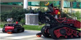 Colossus, el robot que se convirtió en héroe y ayudó a detener las llamas en Notre Dame