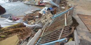 Denuncian la falta de acción para remover escombros de las playas