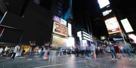 Nueva York multará a los negocios que abran sus puertas antes de la autorización