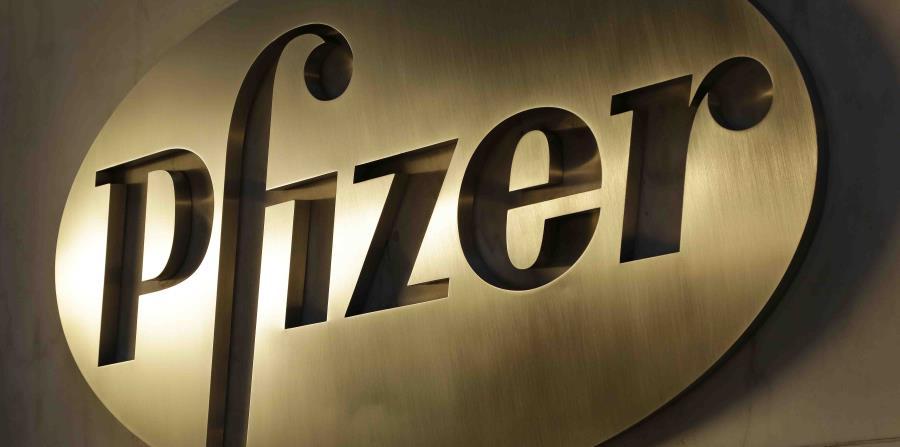 Logo de la farmacéutica Pfizer en su sede de Nueva York. (AP) (horizontal-x3)