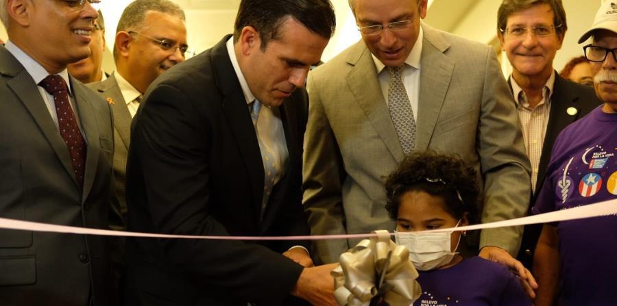 El gobernador Ricardo Rosselló Nevares participa de la inauguración junto a Alejandro García Padilla. (horizontal-x3)