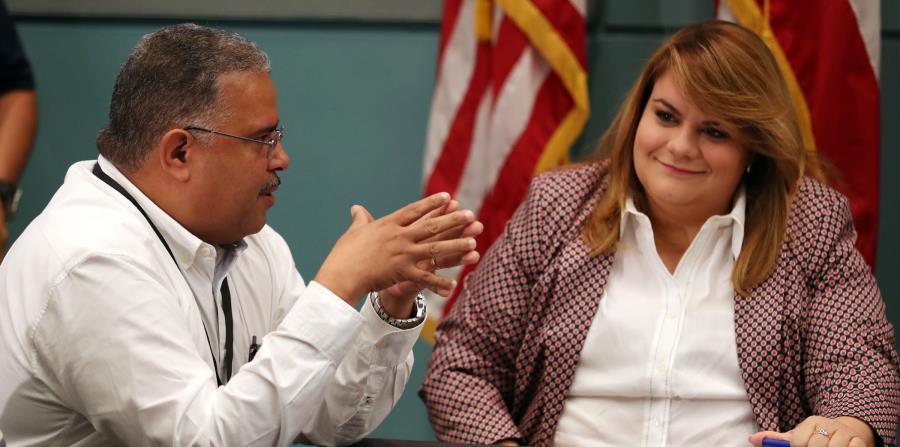 El secretario de Salud, quien aparece en la foto junto a la comisionada residente, Jenniffer González, indicó que la asignación de fondos para el Medicaid se logró tras meses de cabildeo. (horizontal-x3)