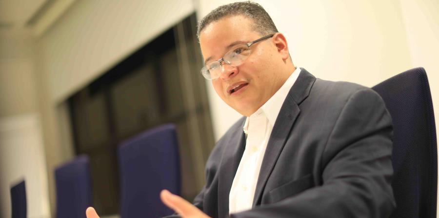 """""""El sistema actual es caro e  ineficiente. La gente tiene peores indicadores que países que gastan menos"""", dijo Víctor Ramos, presidente del Colegio de Médicos Cirujanos de Puerto Rico. (horizontal-x3)"""