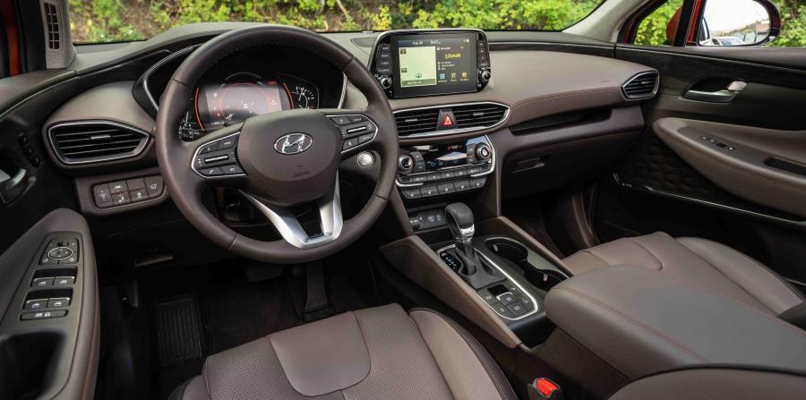 Cabina interior del nuevo Hyundai Santa Fe.