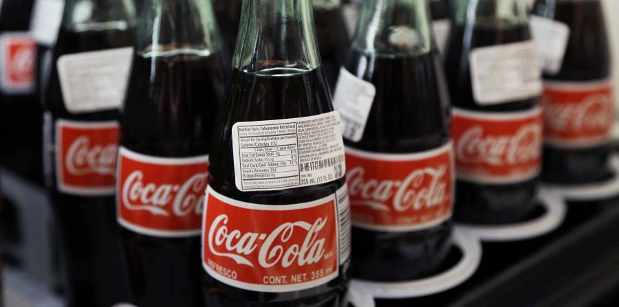 Coca Cola trata de mantenerse vigente en un mercado cada vez más enfocado a los productos saludables. (AP) (horizontal-x3)