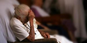 Advierten sobre el efecto de la escasez de equipo de protección en centros de cuidado de larga duración