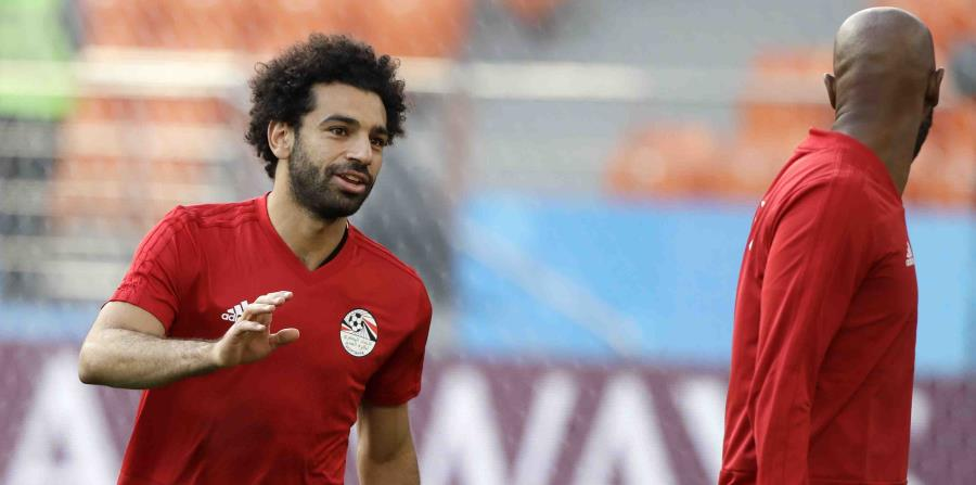 El astro del Liverpool Mohamed Salah se entrenó a la par de sus compañeros de Egipto esta semana. (AP) (horizontal-x3)