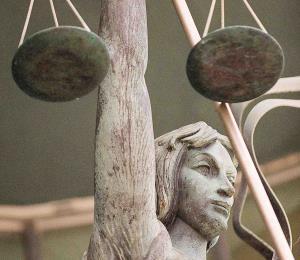 Por qué un aumento a los jueces