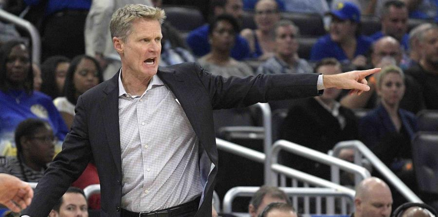 Steve Kerr confirmó hoy que Curry no tiene daños estructurales en el tobillo, del que ha sido operado en dos ocasiones. (AP / Phelan M. Ebenhack) (horizontal-x3)