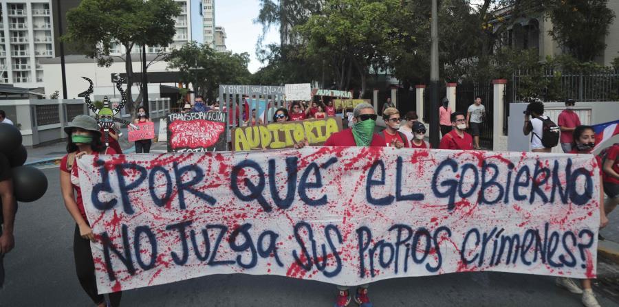 El grupo Movimiento Estudiantil marcha en silencio (horizontal-x3)