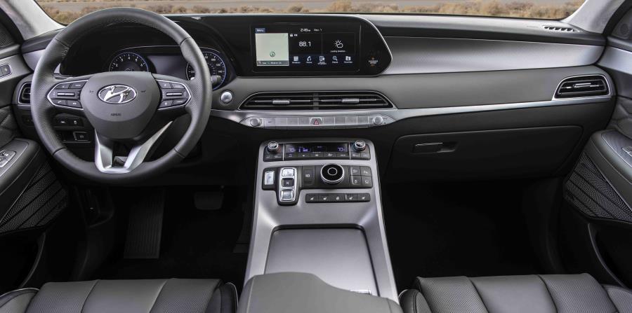 •Como el SUV insignia de Hyundai, el Palisade ofrece toda una serie de componentes de tecnología ideal para viajes familiares por carretera, incluida una pantalla de navegación de 10 pulgadas.