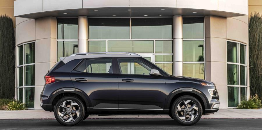 El diseño del nuevo Venue presenta pequeñas pero muy confiadas formas en su carrocería, aportando una nueva interpretación del emblemático lenguaje de diseño de Hyundai.  (Suministrada)