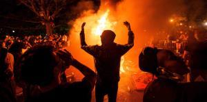 Las protestas y la violencia marcan el inicio de una semana convulsa para Estados Unidos