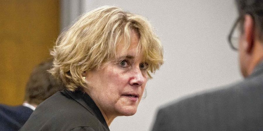 Christina Fay, de Wolfeboro, asiste a la corte del condado de Carroll en Ossipee. (horizontal-x3)