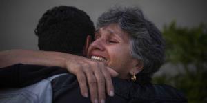 Salen de Puerto Rico en busca de seguridad tras el azote de María