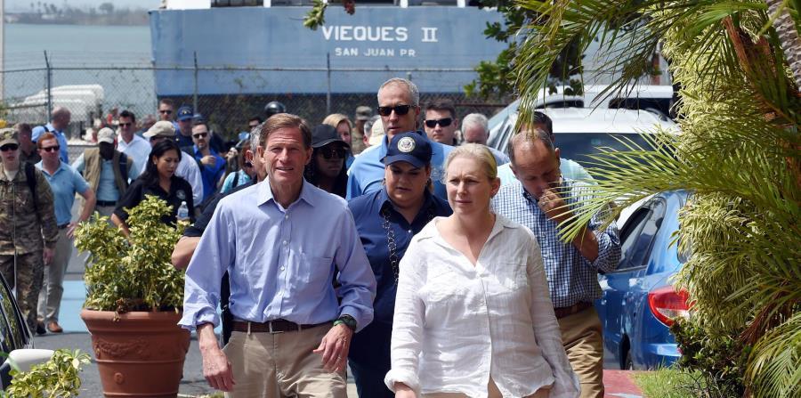 La semana pasada, legisladores federales como como los senadores Richard Blumenthal y Kirsten Gillibrand, y el representante Sean Patrick, visitaron la isla. (horizontal-x3)
