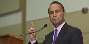 Luis Gutiérrez se retira tras dos décadas en el Congreso