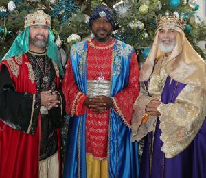 Los Tres Santos Reyes de Aguas Buenas regalan esperanza e ilusión