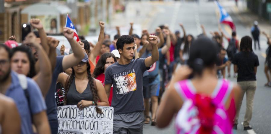 estudiantes en protesta (horizontal-x3)