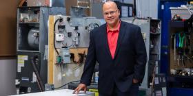 Un boricua establece una escuela técnica en Florida Central