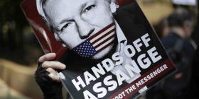 Nuevos cargos contra Julian Assange podrían demorar su extradición