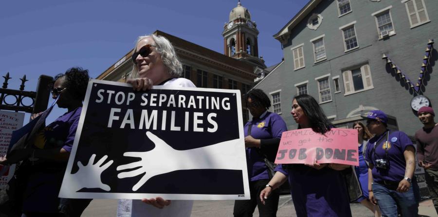 El juez Sabraw dijo que ordenó la suspensión temporal de estas deportaciones hasta que el Departamento de Justicia responda a la moción de la ACLU. (horizontal-x3)