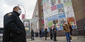 Cerca de 900 policías de Nueva York tienen coronavirus