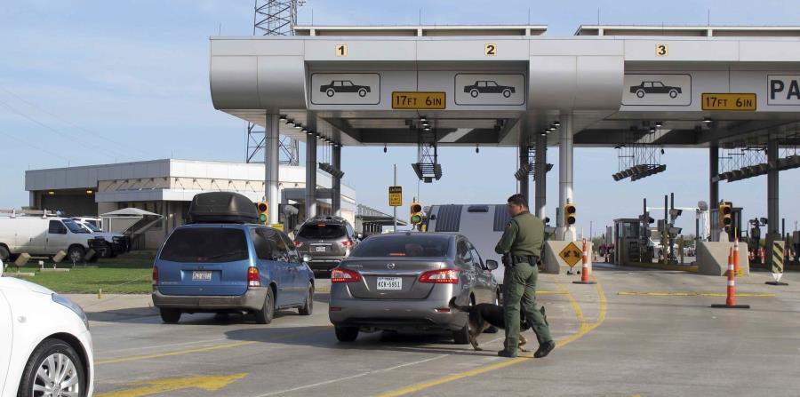 Un puesto de control de la Patrulla Fronteriza en Laredo, Texas. (horizontal-x3)