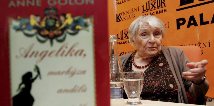 La escritora francesa Anne Golon (horizontal-x3)